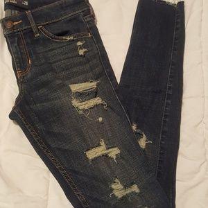 Hollister super skinny destroyed jeans